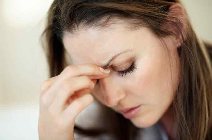 নারীরা মাইগ্রেনে বেশি ভোগার কারণ
