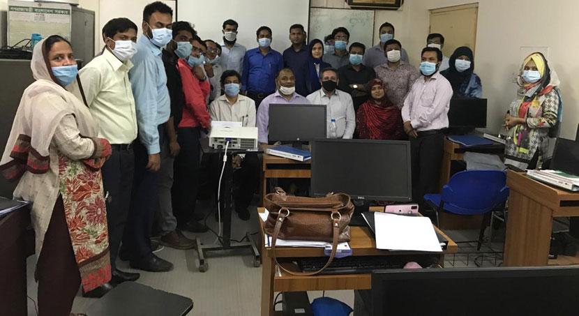 গোদাগাড়ীতে বাটিক ও হ্যান্ড এমব্রয়ডারি প্রশিক্ষণ সমাপ্ত